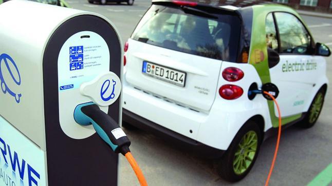 بسبب دعم الحكومة.. زيادة الاقبال على شراء السيارات الكهربائية في ألمانيا
