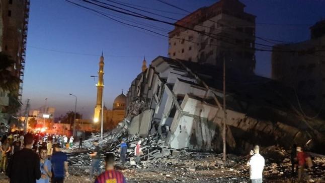 القوات الإسرائيلية تواصل استهداف الأبراج المدنية في قطاع غزة
